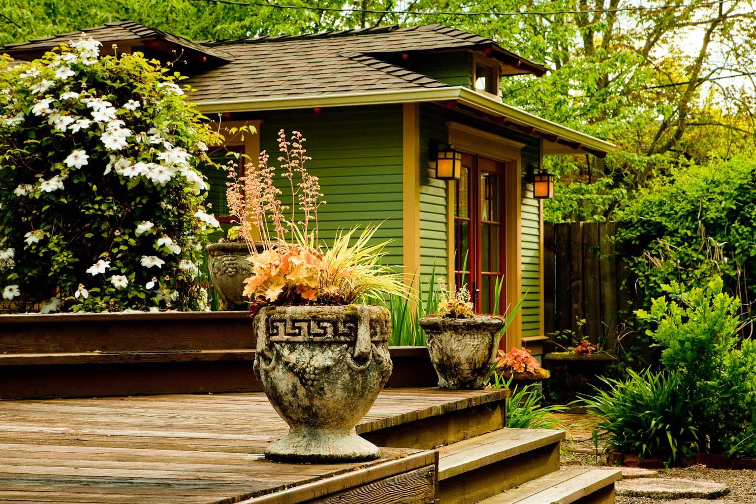 Magazines blackstone edge studios for Italian patio design
